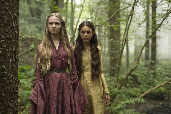 Nell Williams as Young Cersei, Isabella Steinbarth as Young Cersei''s Friend